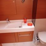 Jeanneau 509 Bathroom
