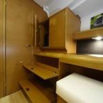 Jeanneau 439 Storage