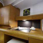 Jeanneau 439 Desk