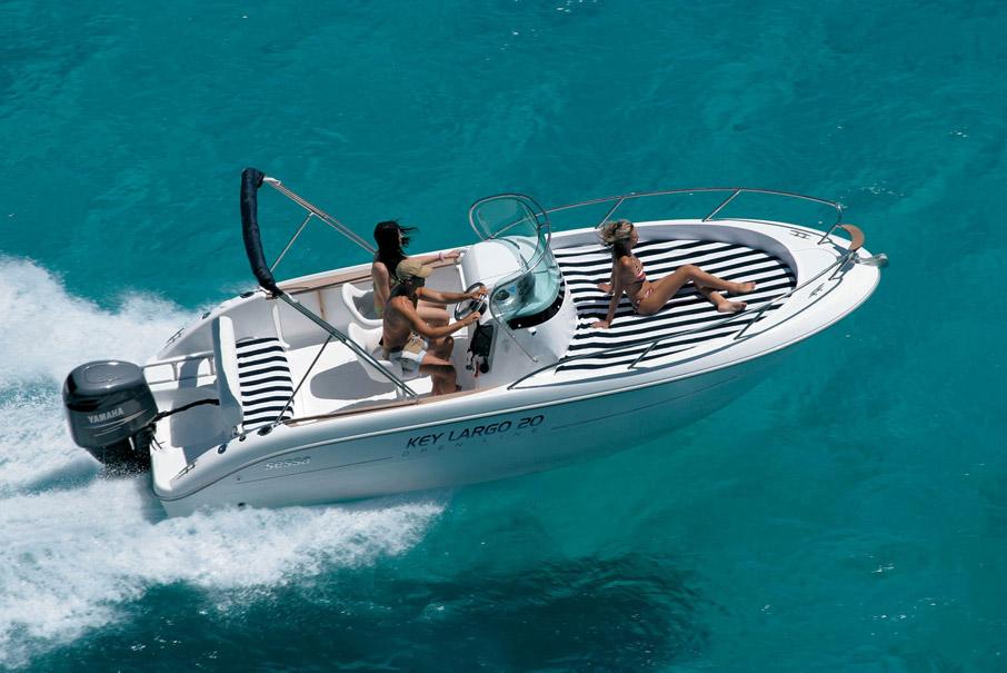 sessa key largo 20 bluemarine yacht charter ibiza. Black Bedroom Furniture Sets. Home Design Ideas